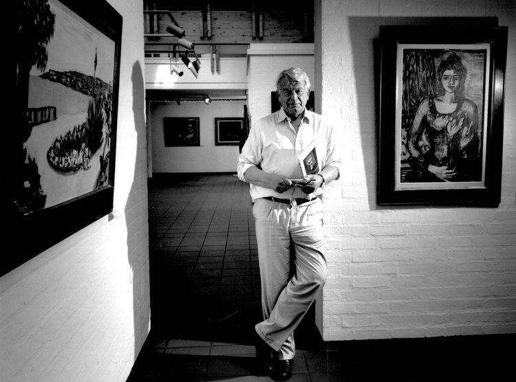 Henri Nannen 1989 mit Werken seiner Sammlung in der Kunsthalle. Foto (c) Joachim Giesel