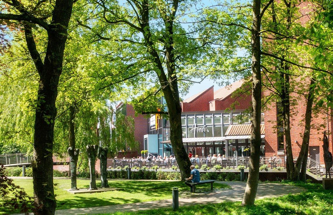 Museumscafe Henris an der Kunsthalle Emden