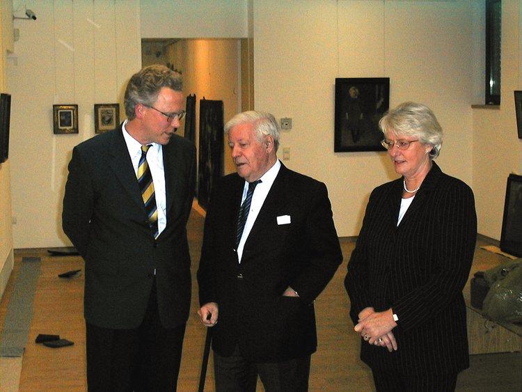 Altbundeskanzler Helmut Schmidt zu Besuch, ca. 1996, mit Eske Nannen und Dr. Achim Sommer