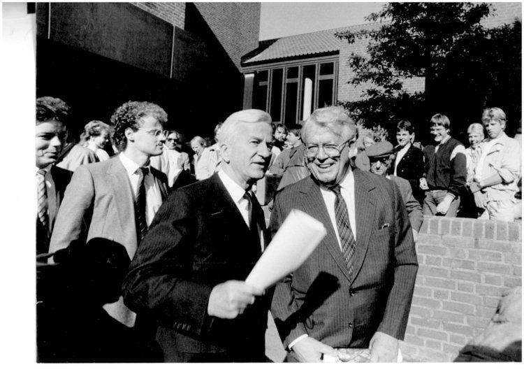 Henri Nannen mit dem damaligen Bundespräsident Richard von Weizsäcker bei der Eröffnung 1986. Foto (c) Peter Meyer