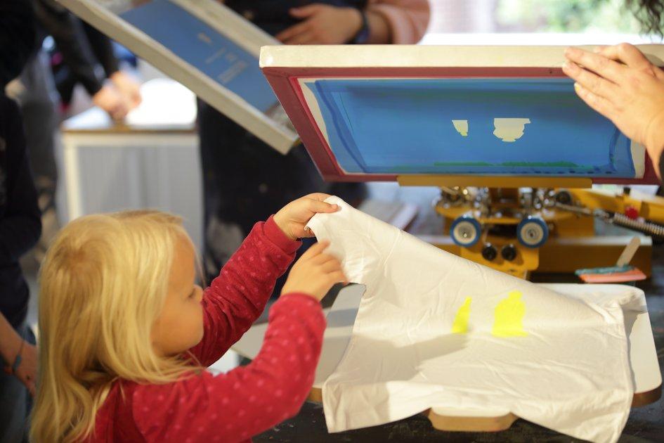 Kostenloser Siebdruck-Workshop für Kinder und Jugendliche