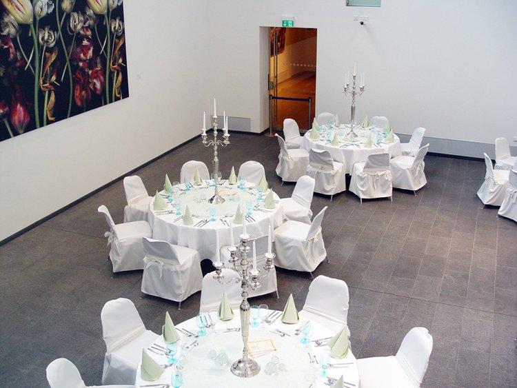 Festliches Dinner im Atrium der Kunsthalle